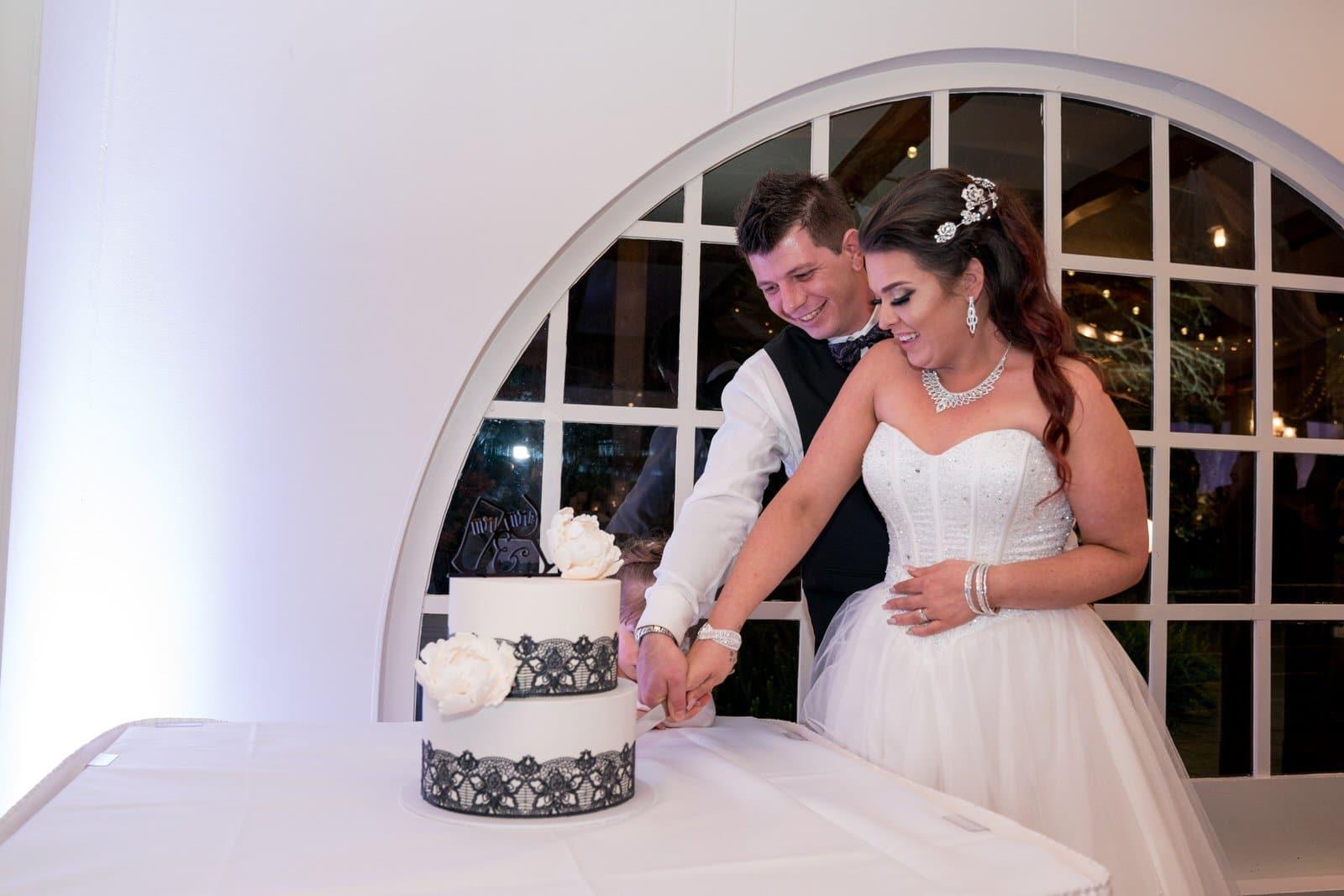 Chateau Wyuna Wedding Reception Cake Cut